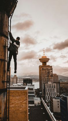 """""""If you have wings, open them and fly"""" Urban Photography, Portrait Photography, Something Else, Parkour, Mobile Wallpaper, Photo Art, Poses, Jack Jones, Inspiration"""