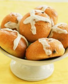 Recipes for Your Ostara Celebration: Hot Cross Buns - Cross Quarter Buns