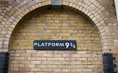 Platform 9 3/4 (a place to visit on the london taxi tour) Amazing tour!