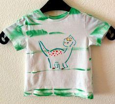 Das coole Kurz-arm Jungen T-Shirt ist aus Baumwolle.  Das  gerade, locker geschnittene Shirt ist mit schönem Motiv bedruckt. Genau das richtige für kleine Jun Mens Tops, Fashion, Boys, Cotton, Nice Asses, Moda, Fashion Styles, Fasion