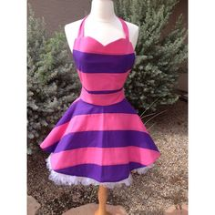 Cheshire Cat apron dress by AJsCafe on Etsy Mais Costume Chat, Cat Costumes, Cosplay Costumes, Halloween Costumes, Halloween 2020, Costume Ideas, Fantasia Disney, Cheshire Cat Cosplay, Fancy Dress