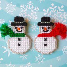 "Plastic Canvas: Snowmen Buddies Magnets (set of 2) -- ""Ready, Set, Sew!"" by Evie"