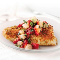 Grilled Bass with Strawberry Salsa Fish is one of those quick-cooking ingredients that provides a good start on a healthy dinner. This recipe is enlivened with a fresh and chunky fruit salsa. Grilled Fish Recipes, Healthy Grilling Recipes, Seafood Recipes, Cooking Recipes, Diner Recipes, Cookbook Recipes, Cooking Tips, Strawberry Salsa, Fruit Salsa