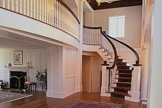 I've always wanted a sweeping staircase...not that i want a huge house though...:)