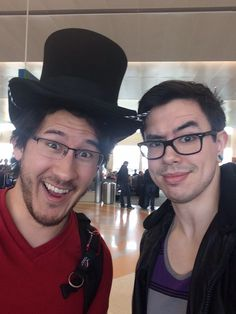 MY TWO YOUTUBE SENPAI MARIPLIER AND NATEWANTSTOBATTLE IN ONE PHOTO!!! I'M DYING OF THE AMAZINGNESS OF THE PICTURE!!