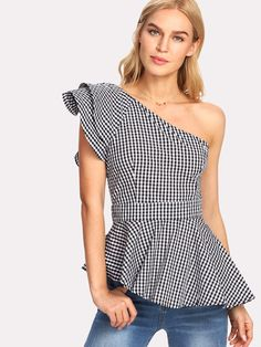 Shop Layered One Shoulder Asymmetric Gingham Peplum Top online. SheIn offers Layered One Shoulder Asymmetric Gingham Peplum Top & more to fit your fashionable needs. Chic Outfits, Trendy Outfits, Fashion Online Shop, Peplum Shirts, Peplum Tops, Sleeveless Tops, Cute Crop Tops, Black And White Style, One Shoulder Tops