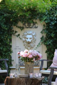A fresh look on the patio with HomeGoods & Giveaway   FRENCH COUNTRY COTTAGE   Bloglovin' Modern French Country, French Country Furniture, French Country Kitchens, French Country Cottage, French Country Decorating, Country Cottages, Country Bathrooms, French Chic, Country Patio