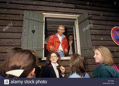 Télécharger cette image : Bros sur 01.03.1988 à München / Munich. Dans le monde d'utilisation | - PK1X5D depuis la bibliothèque d'Alamy parmi des millions de photos, illustrations et vecteurs en haute résolution. Bros, Illustrations, Stock Photos, Couple Photos, Couples, Vectors, Couple Shots, Illustration, Couple Photography