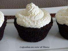 Cupcakes en noir et blanc – Appropriez-vous la recette # 6 Fondant, Cupcakes, Desserts, Food, Greedy People, Black N White, Cooking Recipes, Tailgate Desserts, Cupcake Cakes