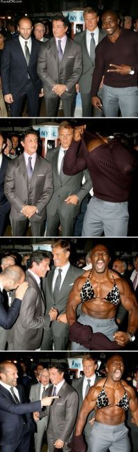 Lol Terry Crews is such a nut. Good to see him, Lundgren, Statham, and Stallone having a good time lol. All awesome guys. Terry Crews, Haha Funny, Funny Cute, Funny Stuff, Funny Memes, Funny Man, That's Hilarious, Funniest Memes, Funny Gifs