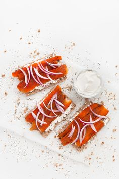 Vegan smoked salmon, made with natural ingredients. It's low in fat and the texture is on point. We served it on crackers with vegan cream cheese. Vegan Blogs, Raw Vegan Recipes, Vegetarian Recipes, Healthy Recipes, Carrot Recipes, Fish Recipes, Veggie Recipes, Vegan Fish, Food Substitutions