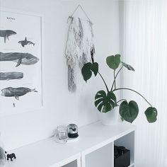 Kidsroom details . . #kidsworld #kidsinterior #menuworld #cocolapine #wool #lego #legostorage #ikea #whiteinterior #interior #interiør #interiorstyling #interior2you #interior4all #interior123 #vsco #vscocam #vscophoto #vs_gallery #minimal #minimalstyle #minimalism #インテリア #子供部屋 #モンステラ #植物のある暮らし #シンプルインテリア #シンプルライフ by eri_m_eri