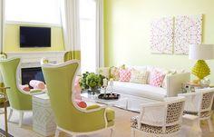 Салатовый цвет в интерьере   Любой, даже самый начинающий дизайнер, четко себе представляет, что правильно подобранное цветовое оформление интерьера – половина успеха. Оно всегда способно поднять настроение, а также способствует тому, чтобы в доме всегда была приятная и уютная атмосфера.