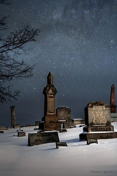 Silent Night (by Tammy LeMasters Gross) [cemetary] [snow] Cemetery Statues, Cemetery Headstones, Old Cemeteries, Cemetery Art, Angel Statues, Graveyards, Spooky Places, Bizarre, After Life