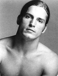 """Joe Dallesandro - Warhol would later comment """"In my movies, everyone's in love with Joe Dallesandro. Joe Dallesandro, Underground Film, Actors Male, Glamour Shots, Black And White Portraits, Vintage Hollywood, Attractive Men, American Actors, Gorgeous Men"""