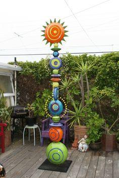 Moni Blom – An artist in Clay and Fine art Sculptures Céramiques, Sculpture Art, Ceramic Sculptures, Garden Poles, Pole Art, Glass Garden Art, Pottery Designs, Garden Ornaments, Outdoor Art