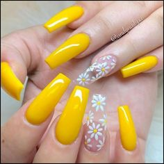 Cute yellow coffin spring nails with accent translucent floral nail If you are searching for cute nail colors for spring and beautiful spring nail designs then check our Stylish nails especially Floral nails and butterfly nails. Swag Nails, My Nails, Daisy Nails, Nails Today, Daisy Nail Art, Flower On Nails, Nails With Flower Design, Flower Nail Designs, Cute Nail Art
