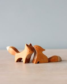 Handmade Wooden Foxes (set of Carved Wooden Animals, Wooden Animal Toys, Wood Animal, Wood Toys, Wooden Cat, Wooden Horse, Wood Carving Patterns, Wood Carving Art, Carving Designs
