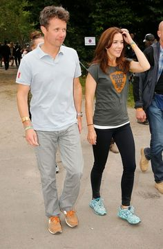 July 4, 2014  Roskilde Festival Last night, Prince Frederik and Princess Mary made a surprise rock festival Roskilde to attend the Rolling Stones concert appearance.