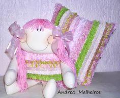 boneca de pano com almofada frufru