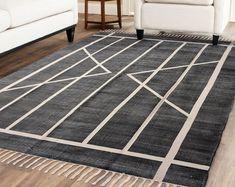 Handmade Rug / Carpet / Vintage Kantha Quilts by IndianWomensCrafts Dhurrie Rugs, Kilim Rugs, Anthropologie Rug, West Elm Rug, Indian Rugs, Fabric Rug, Rustic Rugs, Home Living, Living Room
