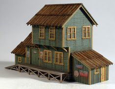 Vilius's scale modeling endeavors: Building Dewitt's Depository by Camppbell Ho Scale Buildings, Something Else, Ghost Towns, Model Trains, Scale Models, Cabin, Entertaining, Modeling, House Styles