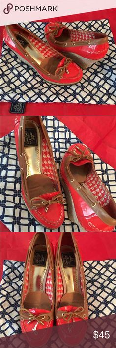 ⚡️Sperry Top Sider⚡️ Sperry Top Sider Pumps Size 9 These shoes are in excellent condition. Some markings on right heel but needs cleaning Comes with cloth bag  ❗️No Trades❗️ ❗️Proceeds go towards feeding the homeless ❗ Sperry Top-Sider Shoes Wedges