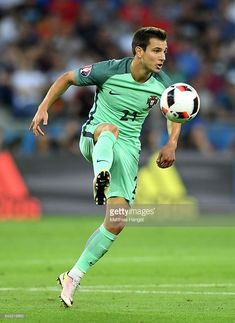 Cedric Soares Portugal Football Team, Southampton Fc, Euro, Football Players, Baseball Cards, Sports, France, Soccer Players, Hs Sports