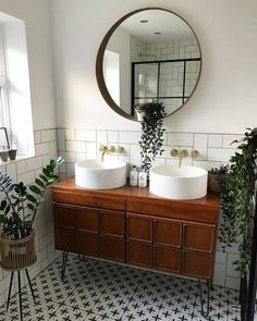 IKEA Real homes - - See our products in real homes. Bad Inspiration, Bathroom Inspiration, Home Decor Inspiration, Bathroom Interior Design, Flat Interior Design, Ikea Interior, Vintage Interior Design, Interior Plants, Bathroom Designs