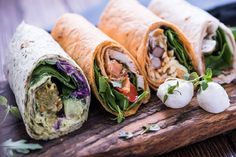 Essayez nos 10 recettes de wraps nutritifs, parfaits pour les lunchs; jambon, poulet, végé, porc dans des feuilles de laitue, etc.