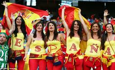 Spain fans in fiesta mood after sealing Euro 2012 with emphatic win over Italy Spain Soccer, Football Tournament, World Cup Russia 2018, Spanish Woman, Euro 2012, International Football, Soccer Fans, European Championships, Fifa World Cup