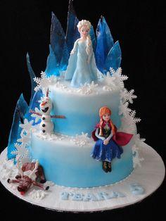Disney Frozen cake - cake by Bella - Kuchen iDeen 🎂 Frozen Themed Birthday Cake, Frozen Theme Cake, Frozen Themed Birthday Party, 4th Birthday Cakes, Themed Cakes, Geek Birthday, Turtle Birthday, Turtle Party, Carnival Birthday