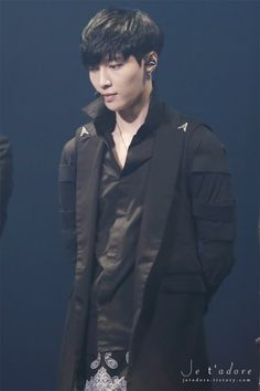 yixing... what are u doing to me.... why am i screaming and jumping around....
