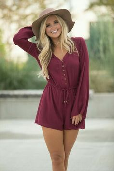 If you're looking for unique clothing at an online boutique, Pink Lily is your one-stop shop for classic style with a modern twist. Unique Senior Pictures, Senior Photos Girls, Senior Picture Outfits, Senior Girl Poses, Poses For Pictures, Senior Girls, Senior Portraits, Girl Photography, Fashion Photography