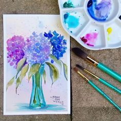 Painting with watercolors can be difficult. Luckily, here's a list of 25 Beautiful Watercolor Flower Painting Ideas and Inspiration. Watercolor Beginner, Watercolor Paintings For Beginners, Easy Watercolor, Watercolor Cards, Watercolor Art Lessons, Watercolor Projects, Beginner Painting, Watercolor Artists, Watercolor Portraits