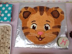 Baby first birthday cake animals 47 Super ideas - birthday Cake White Ideen Daniel Tiger Birthday Cake, Daniel Tiger Cake, Daniel Tiger Party, Baby First Birthday Cake, 2nd Birthday, Birthday Ideas, Toy Story Cakes, Cakes For Boys, 4th Birthday Parties