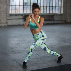 If you've seen photos ofAlessandra Ambrosiofrom the 2014 Victoria's Secret Fashion Show (set to air on Tuesday night), you know she's in seriously killer shape. To find out how she trained for the