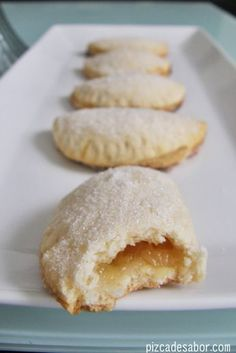Empanadas pineapple - Pinch of Flavor Mexican Pastries, Mexican Sweet Breads, Mexican Bread, Mexican Dishes, Mexican Food Recipes, Dessert Recipes, Sweet Desserts, Sweet Recipes, Delicious Desserts