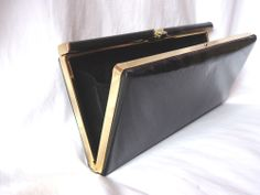 VTG RETRO 80s BLACK FAUX PATENT LEATHER CLUTCH BAG GOLD FRAME MADE IN BRITAIN