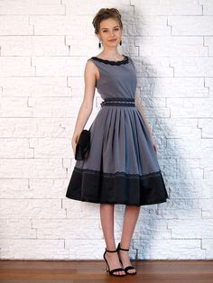 Společenské šaty šedočerné s tylovou spodničkou.   Zboží prodejce Janette M 2cbc492289