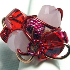 Pink & Red Crystal Aluminum Wire Ring OOAK - JnE Wire Rings, Red And Pink, Crystals, Glasses, Fashion, Moda, Eyeglasses, Crystal, Fasion