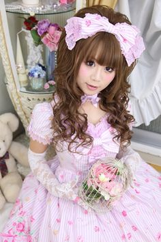 "•○~ Sweet lolita, 甘いロリータ♥ Angelic Pretty ""Tiara Rose"" dress - pastel - head bow - lace - gloves - bird cage - flowers - coordinate - cute - kawaii - Japanese street fashion✮ ~•○"