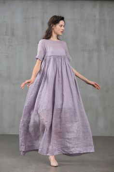 maxi dresses are available on our site. look at this and you wont be sorry you did. White Linen Dresses, Cotton Dresses, Maxi Dresses, Linen Summer Dresses, Maxi Dress Styles, Pleated Maxi Skirts, 1950s Dresses, Lilac Dress, Boho Dress