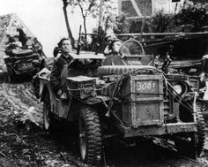 Special Air Service, Willys Mb, Military Special Forces, Ww2 Photos, British Army, World War Ii, Military Vehicles, Wwii, Monster Trucks