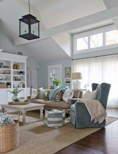 Nice & cozy living room ~ like the colors too