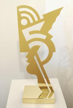 Roy Lichtenstein, Untitled Head I, 1970  Brass sculpture 25 5/8 x 10 1/4 x 6 in (65.1 x 26 x 15.2)  Edition of 75 Inscribed