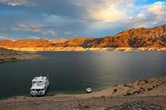 Lake Mead National Recreation Area spans 177 miles of the Colorado River, including Lake Mead and Lake Mohave. The area's million acres stretches into southern Nevada. Desert Ecosystem, Petrified Forest National Park, Desert Places, Desert Environment, Lake Mead, State Of Arizona, Lake Powell, Clear Lake, Family Vacation Destinations