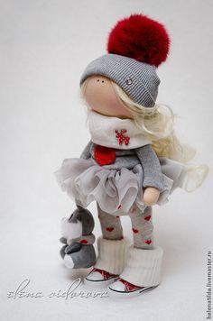 Gerda - ярко-красный,серый,кукла,малышка,девочка,зимняя девочка,коллекционная кукла