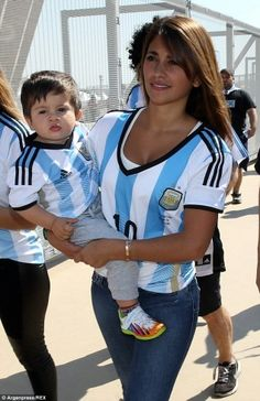 Messi wife with son