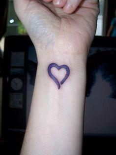 Love Heart Tattoo On Wristdenenasvalencia Small Heart Wrist Tattoo, Wing Tattoos On Wrist, Love Heart Tattoo, Small Heart Tattoos, Flower Wrist Tattoos, Wrist Tattoos For Guys, Tattoo Designs Wrist, Tiger Tattoo, Mini Tattoos